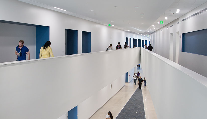 Broward-College-FIU-photo-by-Robin-Hill-(c)-HI-RES-(5)