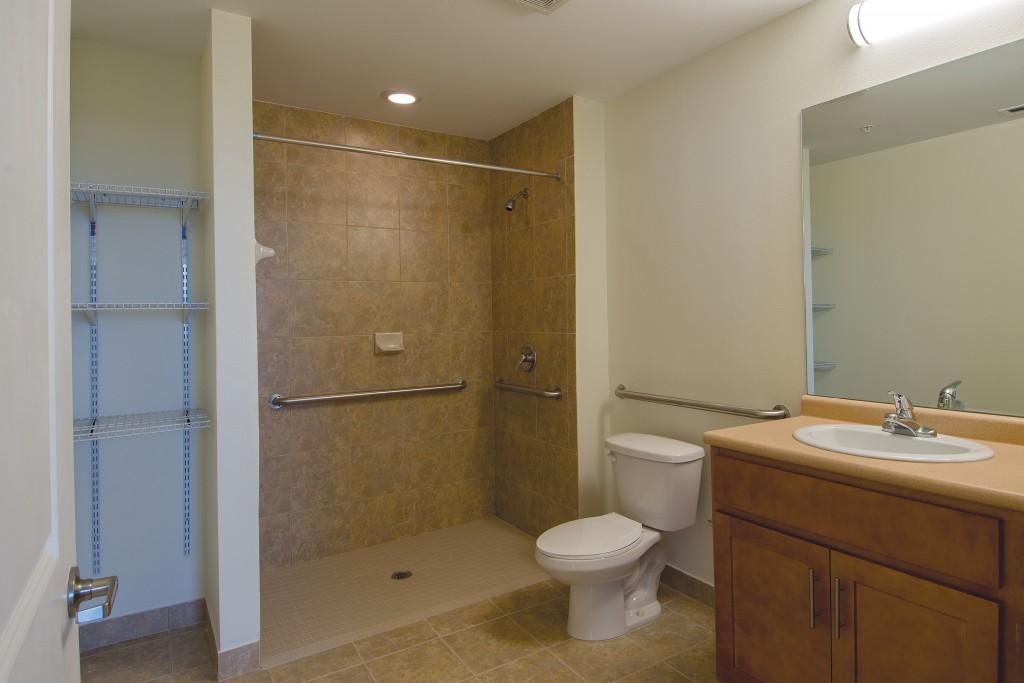 Unit Bathroom J-Peg