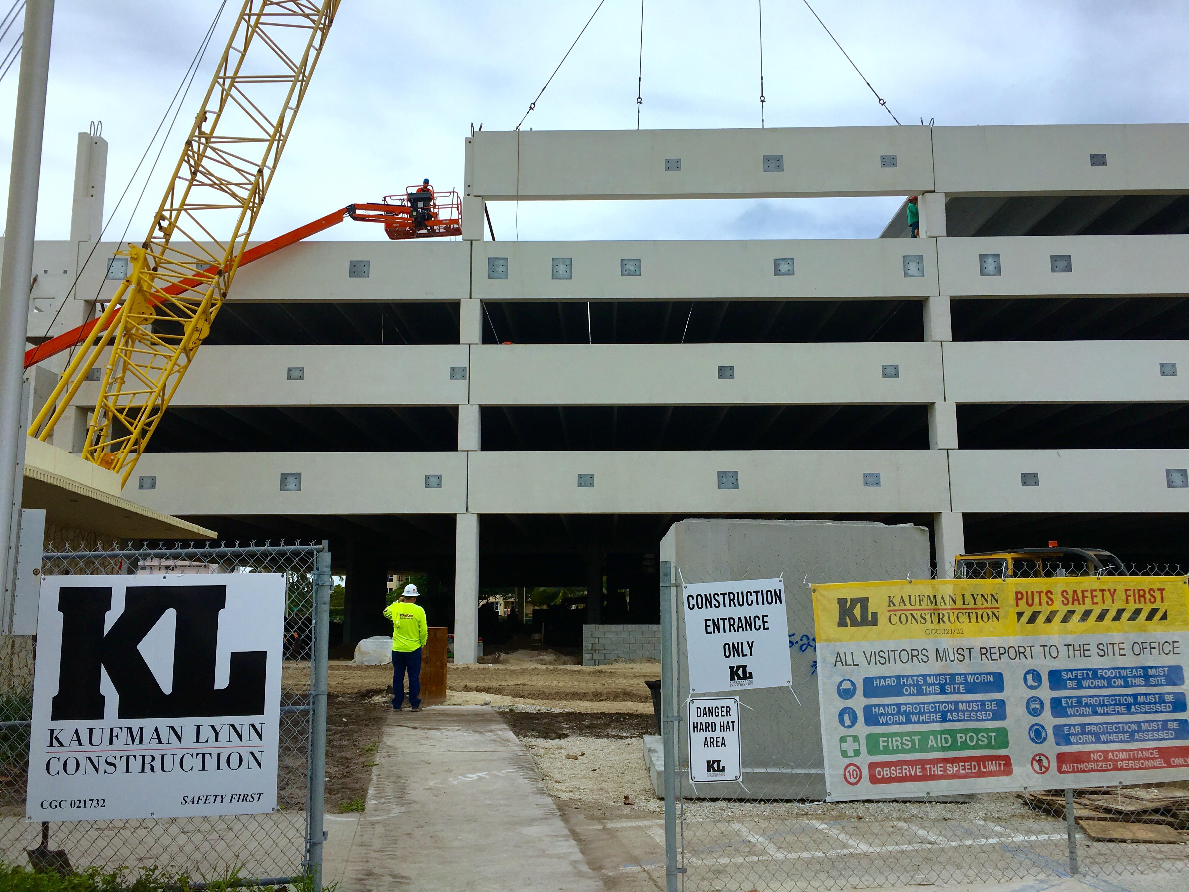 Pompano Beach Pier Parking Garage Tops Out Kaufman Lynn Construction